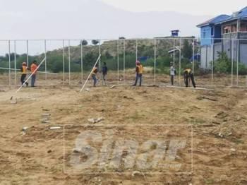 Kerja membina rumah sementara di Palu oleh YDKM sudah bermula.