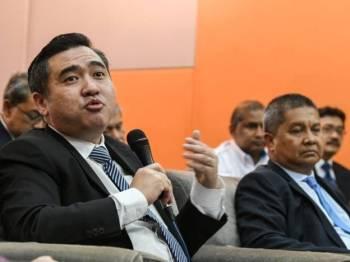 Menteri Pengangkutan Anthony Loke Siew Fook. - Foto Bernama