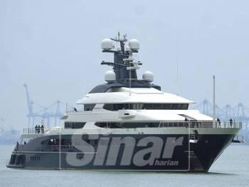 Kapal layar mewah Equanimity - Foto Sinar Harian oleh ROSLI TALIB