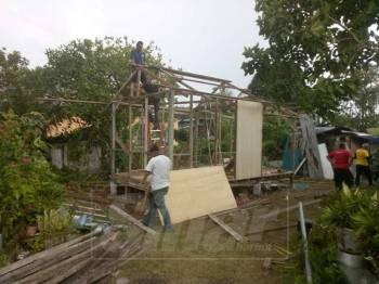 Kerja membina kediaman lebih selesa buat Norbeha dilakukan selama seminggu