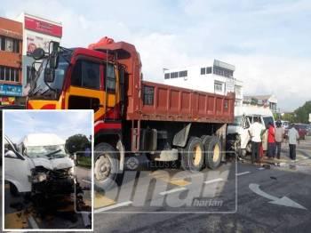 Keadaan kemalangan membabitkan sebuah van dan lori diKM23 Jalan Klang-Banting/Port Dickson.
