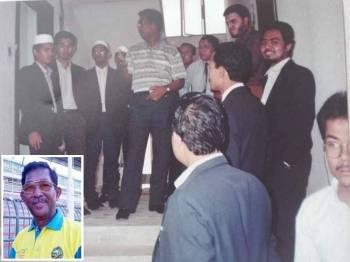 Daba (tengah) semasa lawatannya ke Mesir bertemu pelajar-pelajar Kedah di negara tersebut. Gambar kecil: Allahyarham Datuk Ahmad Basri Akil. - Foto Facebook Arkib Daba