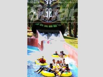 Taman tema air yang terdapat di A'Famosa Resort berjaya menarik pelancong ke Melaka.