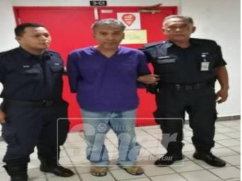 Tertuduh, Basri Ismail, 55, mengaku tidak bersalah menyebabkan kecederaan kepada anak saudaranya, di Mahkamah Majistret Kuala Terengganu, hari ini.