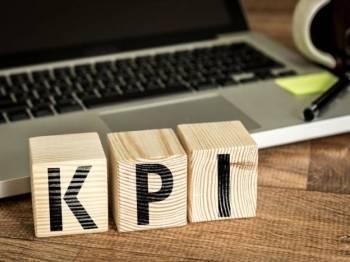 Disember juga menyebabkan ramai warga pekerja bersengkang mata melayan pelbagai sistem demi membuktikan pencapaiannya sepanjang tahun, mengisi pencapaian KPI.