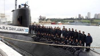 44 anak kapal Ara San Juan bergambar sebelum memulakan perjalanan ke pangkalan Ushuaia di selatan Argentina.