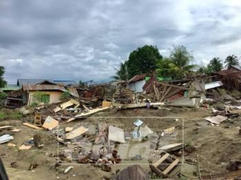 Keadaan di Palu selepas tsunami dan gempa.