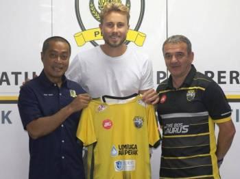 Zac Anderson tandatangani kontrak setahun bersama Perak.