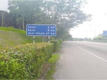 Papan tanda ke Kulai.