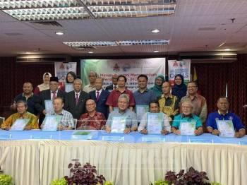 12 rakan kongsi baharu kini turut serta dalam Projek Kebun Kejiranan Local Agenda LA21 (KL) 2018 setelah menandatangani MOU bersama DBKL.