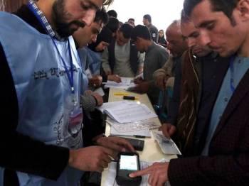 Pihak IEC juga memerlukan lebih masa untuk merekrut staf, melatih mereka menggunakan alat pengesahan biometrik.