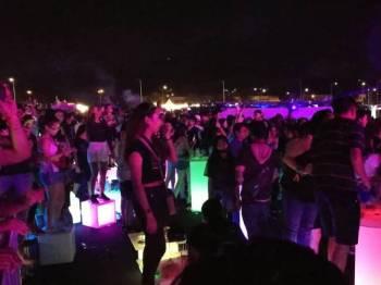Sekitar program Neon Countdown yang berlangsung malam tadi.