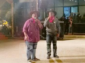 Man dan Tauke turut membuat persembahan dan memeriahkan suasana.