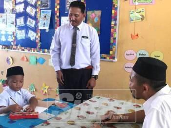 Muhammad Amirul, satu-satunya murid tahun 1 yang didaftafkan di SK Tanjong Jawa, di sini, bagi sesi persekolahan 2019.