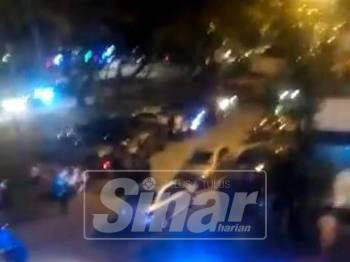 Rakaman video yang tular di media sosial dengan dakwaan berlaku pergaduhan besar di sebuah flat di Salak Selatan, malam tadi.