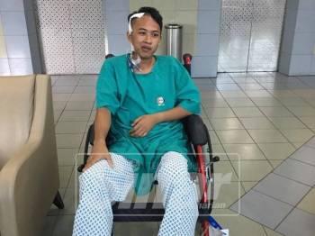 Muhammad Adli Asyraf menjalani pembedahan pertama pada November lalu bagi membuang darah beku di kepala di mana sebahagian tempurung kepala perlu dibuang.