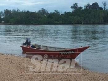 Bot nelayan yang hilang di Tanjung Sungai Sekawang Port Dickson, Isnin lalu.