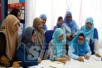 Ketua-ketua wanita cabang PKR Terengganu yang menang dalam pemilihan lalu, menolak pelantikan Sharifah Norhayati.