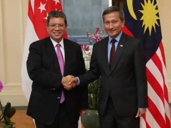 Saifuddin Abdullah dan Dr Vivian Balakrishnan - Foto Business Insider Malaysia
