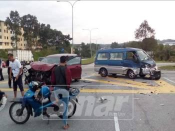 Kemalangan melibatkan van dinaiki beberapa kanak-kanak prasekolah di simpang tiga itu
