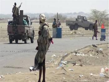 Tentera Yaman berkumpul di.pos pemeriksaan di Hudaydah.