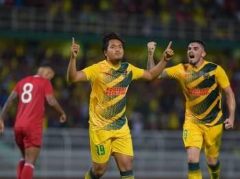 Dari kiri Syahrul Azwari dan Fernando masing-masing menjaringkan satu gol buat Kedah. - Foto: AHMAD ZAKI OSMAN