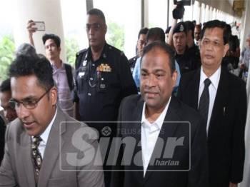Azeez didakwa pertuduhan bersubahat di Mahkamah Sesyen Kuala Lumpur. Foto Sinar Harian/ASRIL ASWANDI SHUKOR.