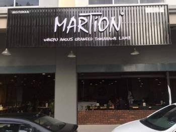 Martion Kuala Terengganu akan mengagihkan roti john percuma kepada orang ramai di premisnya yang beroperasi di Jalan Pejabat, di sini, Ahad ini.