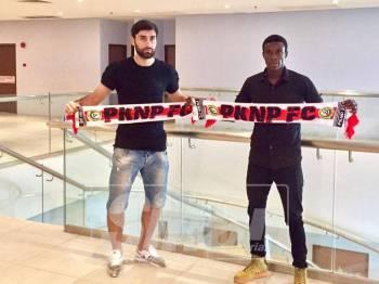Abbey (kanan) dan Siyavush (kiri) sah menjadi pemain import PKNP FC musim ini.