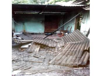 Bahagian rumah musnah dalam kebakaran awal pagi, tadi