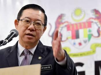 Menteri Kewangan Lim Guan Eng semasa sidang media pada Majlis Penyerahan Surat Pelantikan Rasmi Pengatur Utama Untuk Penerbitan Bon Samurai di Kementerian Kewangan hari ini. - Foto Bernama