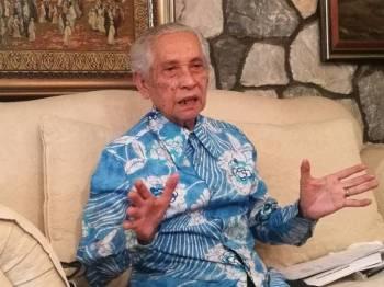 Ahli Lembaga Penasihat Majlis Perundingan Melayu (MPM), Tan Sri Dr Abd Aziz Abd Rahman.
