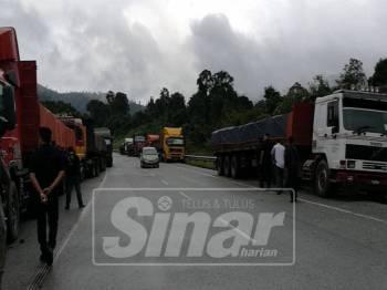Kedegilan segelintir operator lori patuhi peraturan had muatan menjadi faktor kerosakan jalan di laluan Kuala Jeneris-Kenyir-Aring.
