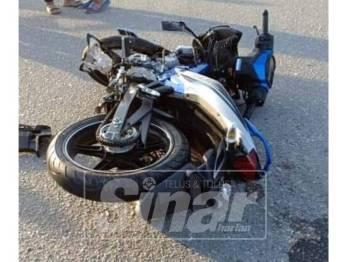 Motosikal yang dinaiki mangsa di tempat kejadian