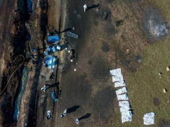 Pemandangan udara di lokasi kejadian susulan letupan saluran paip minyak di Tlahuelilpan, Mexico pada Jumaat lalu. - Foto AFP