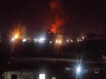 Sebuah gedung penyimpanan senjata di selatan Sanaa diserang, awal hari ini.