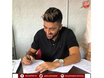 Mustafa menandatangani kontrak setahun bersama Kelantan FA.