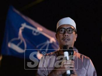 Ketua Pemuda Pas, Muhammad Khalil Abdul Hadi ketika Pidato Pemuda Umno-Pas bagi kempen PRK Cameron Highlands di Tanah Rata, malam tadi. - Foto Sinar Harian oleh SHARIFUDIN ABDUL RAHIM