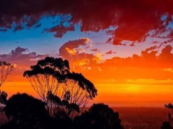 Suhu di Australia Selatan mencecah rekod tertinggi.