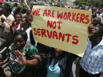 Penjawat awam Zimbabwe lancar mogok mahu kenaikan gaji. - Foto newzimbabwe.com