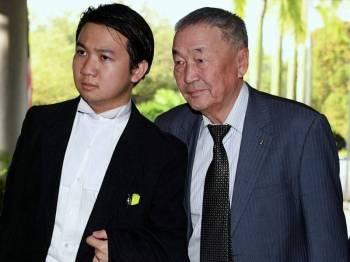 Bapa model Mongolia Altantuya Shaariibuu, Dr Shaariibuu Setev (kanan) hadir ke Mahkamah Tinggi Shah Alam berhubung saman RM100 juta berkaitan pembunuhan anaknya 13 tahun lalu di Kompleks Mahkamah Shah Alam. Foto: Bernama