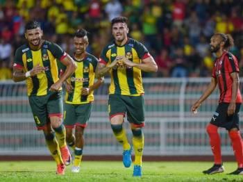 Ortega (kanan) sumbang satu gol buat Kedah. - Foto: AHMAD ZAKI OSMAN
