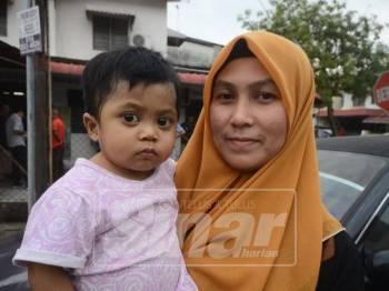 Nur Shahida bersama Nur Hayfa.
