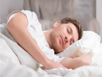 Paling baik untuk menjaga kesihatan adalah tidur awal dan bangun pun awal.- Gambar hiasan internet