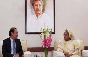 Hasina bertemu Timbalan Menteri Luar Vietnam, Nguyen Quoc Dzung di kediaman rasmi beliau di Gono Bhaban, semalam.- Foto BSS