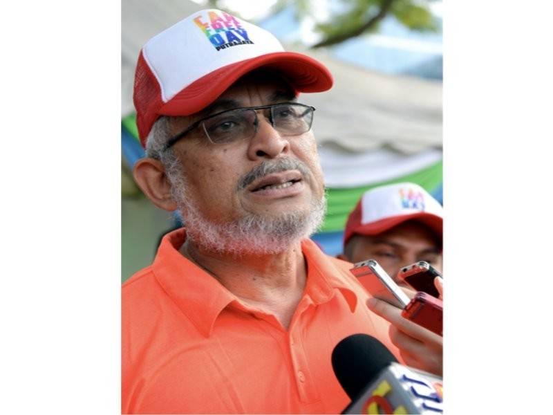 Khalid ketika sidang media pada Majlis Penyerahan Rekod (MBOR) yang berjaya melengkapkan tujuh sukan pelbagai disiplin berturutan sempena Hari Wilayah 2019 di Dataran Putrajaya, hari ini. - Foto Bernama