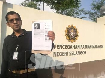 Raggie hadir di pejabat SPRM Selangor untuk membuat laporan berhubung isu dana RM90 yang diterima Pas daripada Umno.