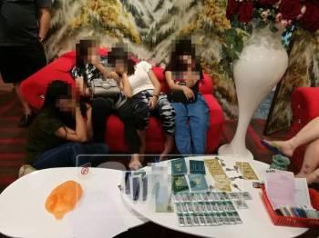 Antara wanita yang ditahan dalam operasi berkenaan.