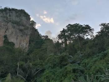 Hampir 85 peratus kebakaran Gunung Baling berjam dipadam