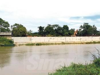 Kerajaan Pusat perlu mencontohi Kerajaan Thailand yang giat menyiapkan benteng banjir di sempadan negara mereka.